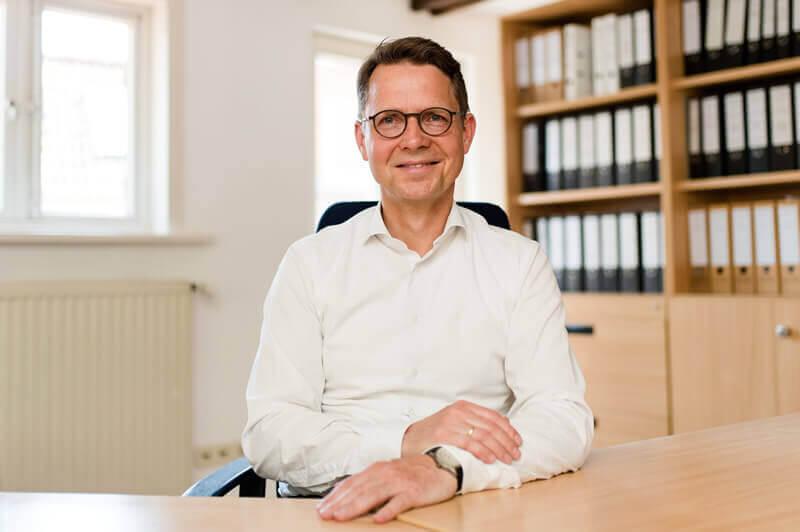 Dr. Udo Schmidt